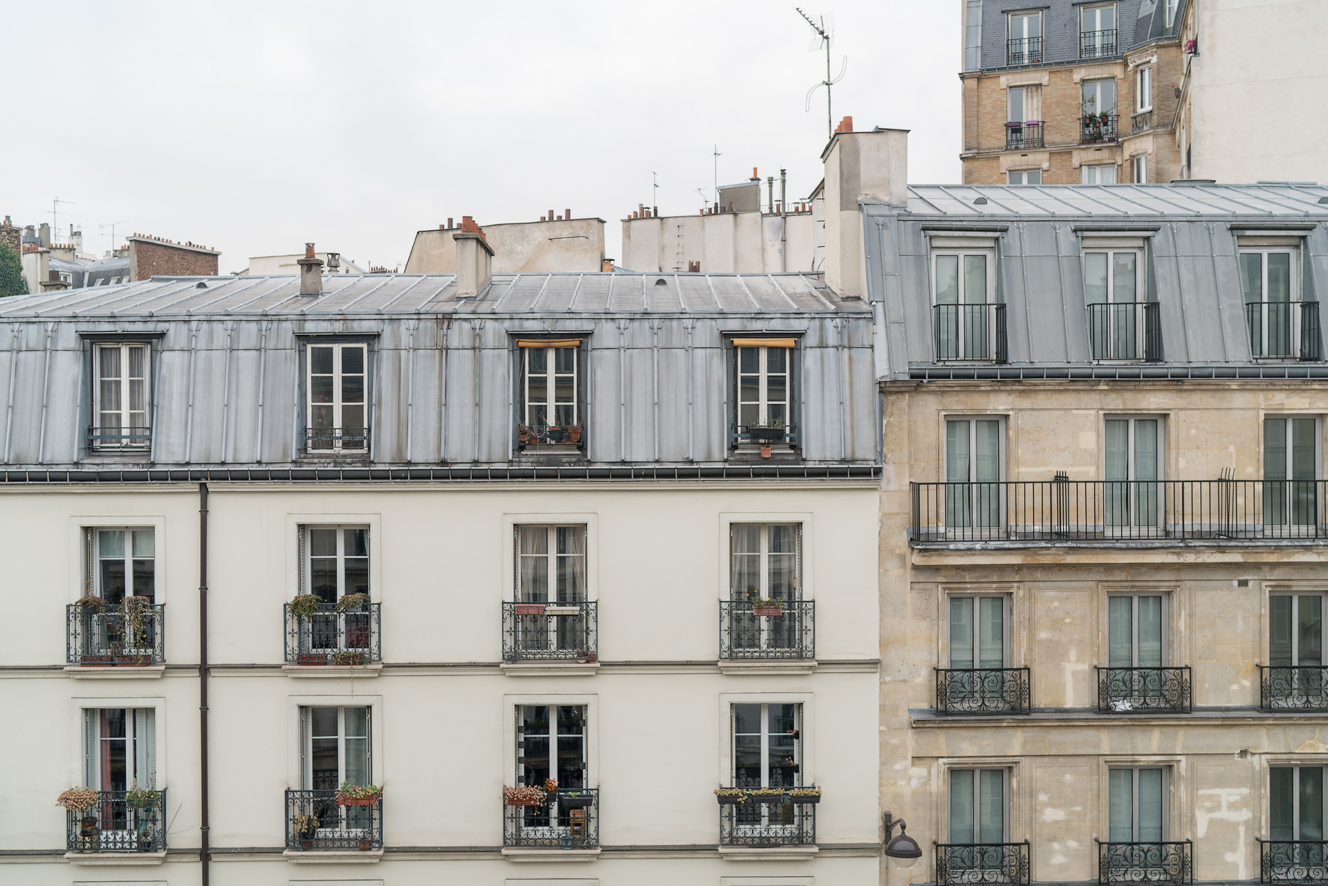 hotel-paris-balcony